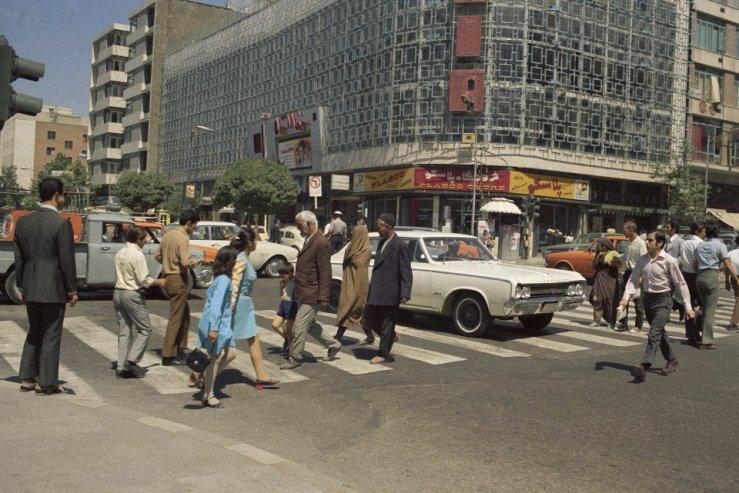 Yet Another Tehran Street Scene